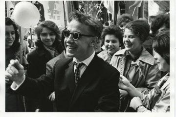 Gli studenti durante la manifestazione del Primo Maggio 1963 - 1964 Vsevolod Tarasevich S.